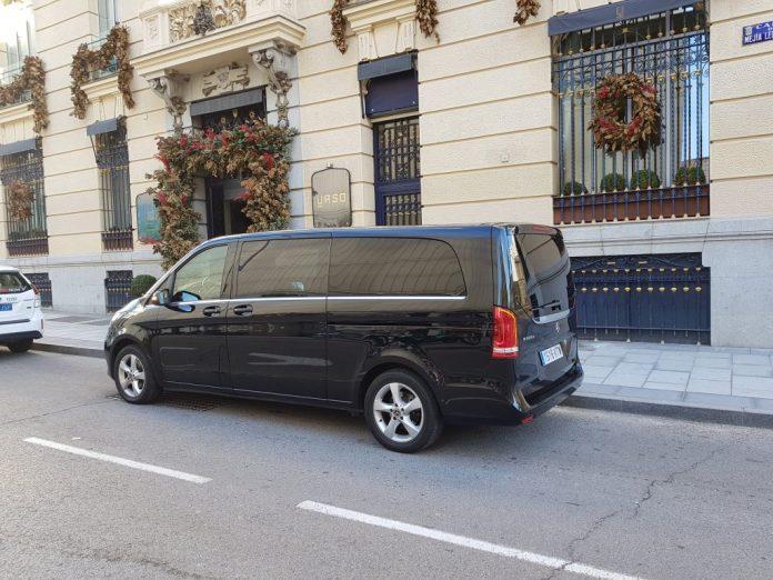 alquiler vehículo 7 plazas mini van mercedes tour madrid transfer aeropuerto 9 1024x768 - ✔️✔️Alquiler MiniVán en Madrid 2020