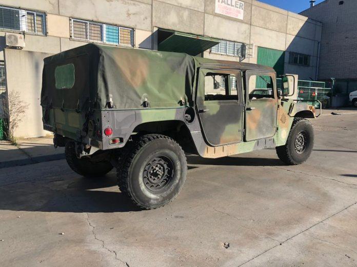 Vehículos de escena alquiler de coches alquiler de camiones vehículos militares tanque JeepHummer 4x4 militar atrezzo militar coches para cine 15 1024x768 - Alquiler de vehículos militares, alquiler de camiones de bomberos.