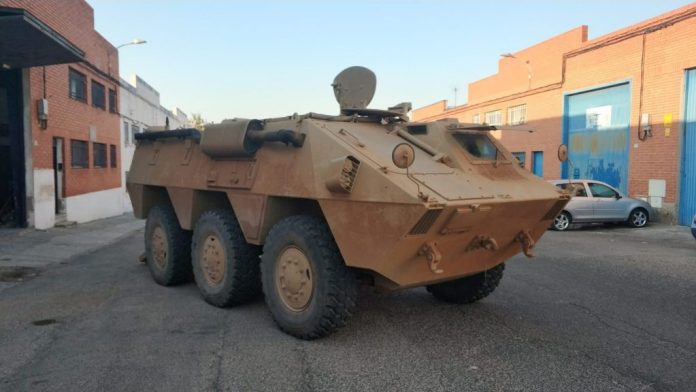 Vehículos de escena alquiler de coches alquiler de camiones vehículos militares tanque JeepHummer 4x4 militar atrezzo militar coches para cine 39 1024x576 - Alquiler de vehículos militares, alquiler de camiones de bomberos.