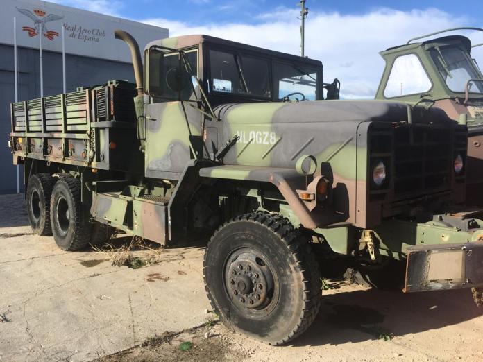 Vehículos de escena alquiler de coches alquiler de camiones vehículos militares tanque JeepHummer 4x4 militar atrezzo militar coches para cine 4 - Alquiler de vehículos militares, alquiler de camiones de bomberos.