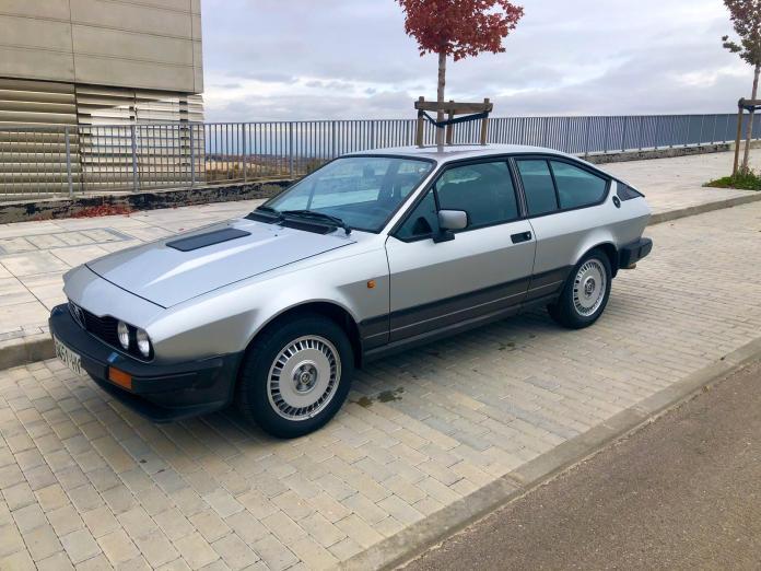 Alfa Romeo alquiler coches de escena vehiculos de escenacoches para alquilar coches clasicos film car cesion de coches 3 - Alquiler coches clásicos para rodajes y eventos.