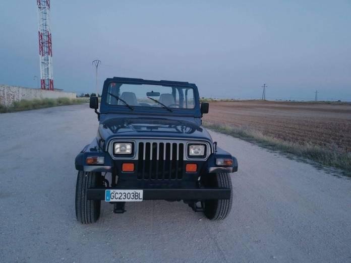 Jeep Wranler alquiler coches de escena vehiculos de escenacoches para alquilar coches clasicos film car cesion de coches - Alquiler coches clásicos para rodajes y eventos.