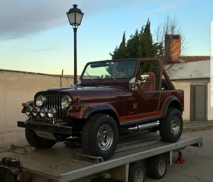 jeeep cj 7Coches alquiler coches de escena vehiculos de escenacoches para alquilar coches clasicos film car cesion de coches  - Alquiler coches clásicos para rodajes y eventos.