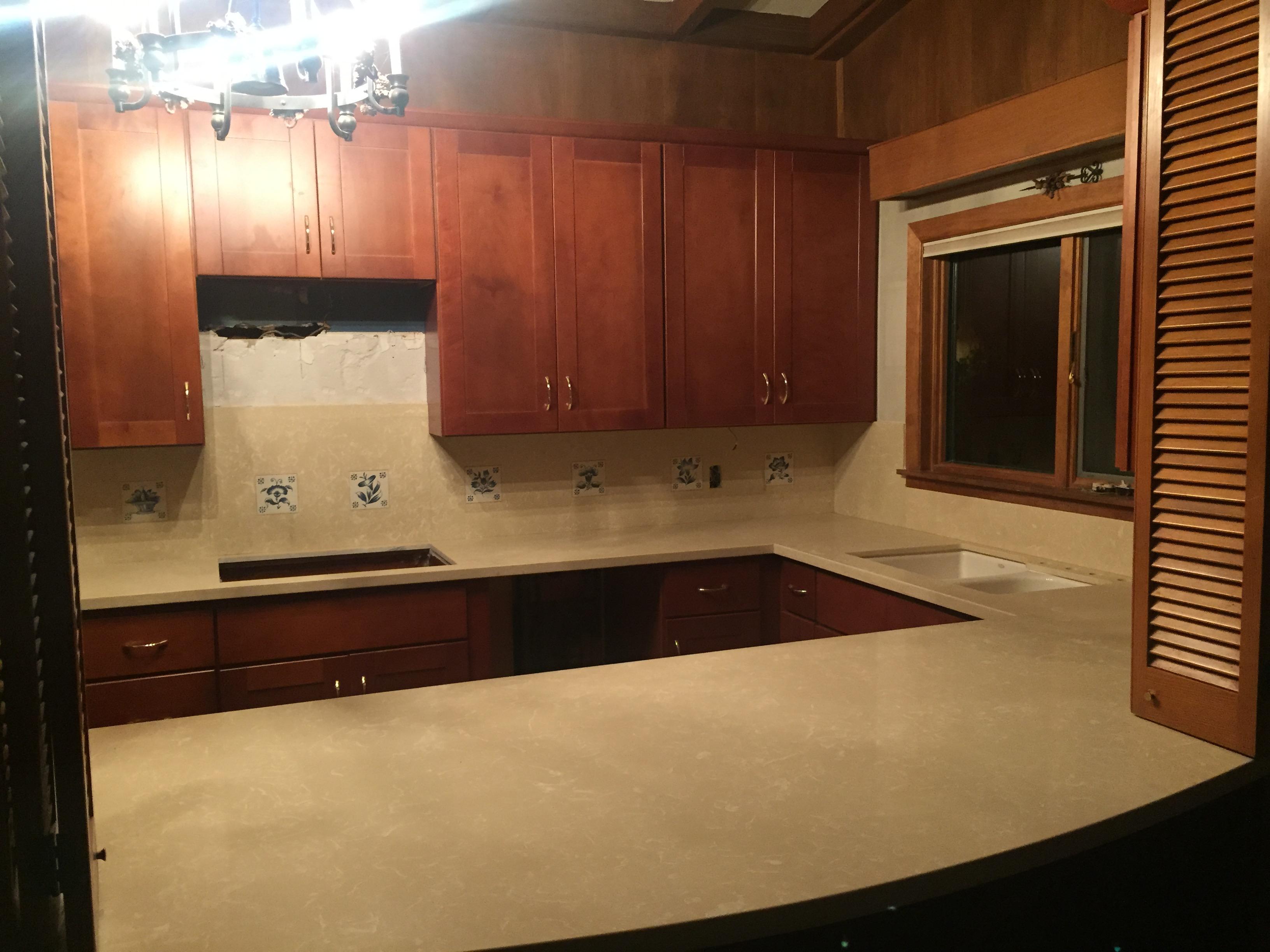 remodel kitchen cabinets corbels cinnamon shaker & crema marfil quartz ...