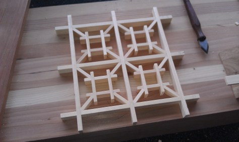 Izutsu-tsunagi pattern sample