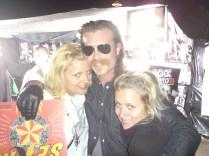Maj 2008. Vi var på Siesta i Hässleholm och Eagles of Death Metal lirade. Jesse Hughes gick förbi och Sandra och Lalle blev starstrucked.