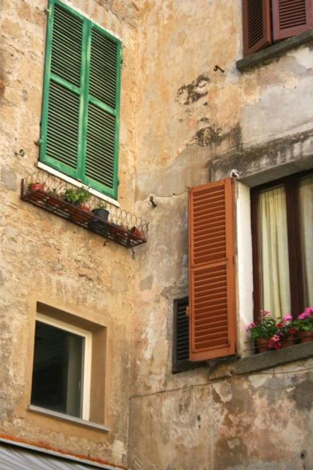 Orvieto Windows