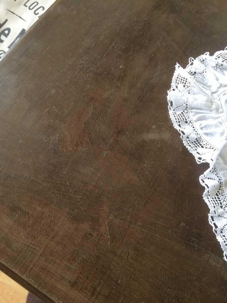 IMG_2297 Esstisch in Kiefer lackiert mit Chalk Paint streichen