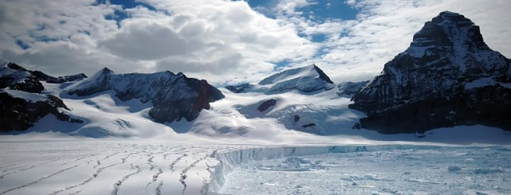Antarctic glacier from the melting Larsen B iceshelf