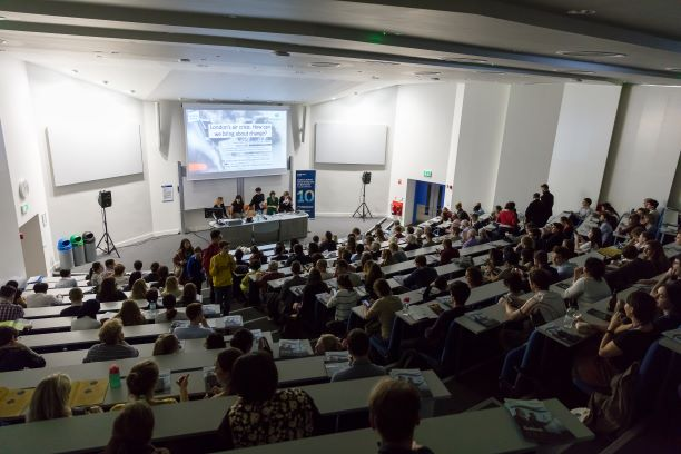 A full lecture room for the air pollution discussion at Imperial Lates, 2018