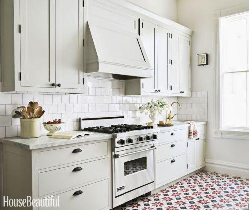 gallery-1461701285-old-world-kitchen