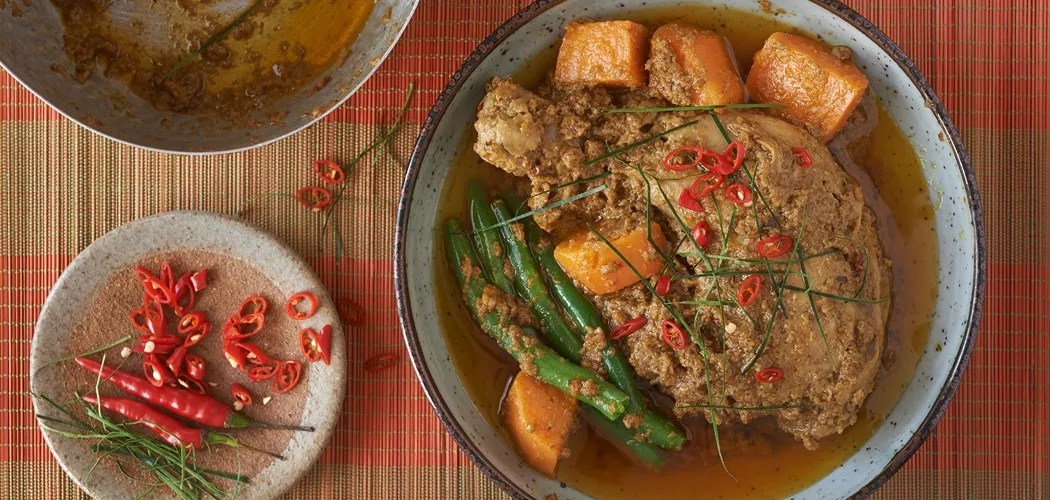 Cambodian Chicken Curry Recipe. Copyright 2019 Terence Carter / Grantourismo. All Rights Reserved.