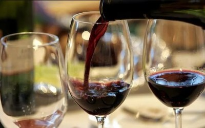 7 Must Know Tips for Serving Wine
