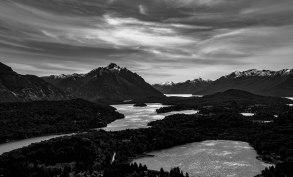 20161118-lakes-b-w-bariloche