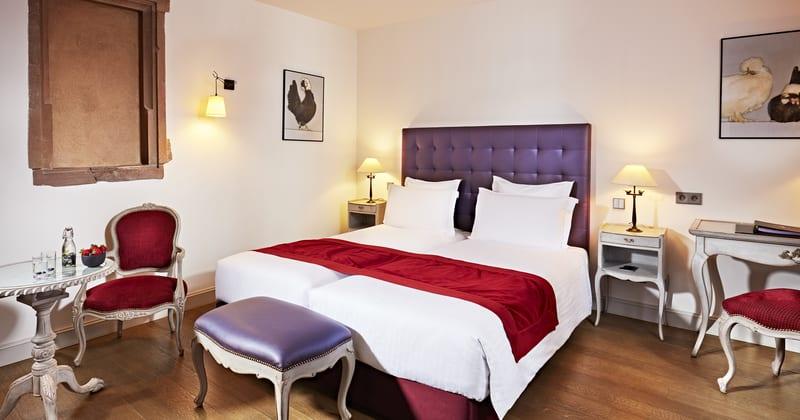 Hotel Cour du Corbeau chambre deluxe twin ©Philippe Sautier_RVB_HD
