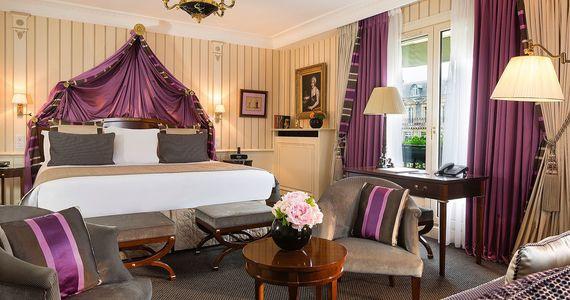 Paris Wine Tour- Credits Hotel Napoleon Junior Suite