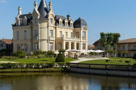 Saint-Emilion wine tour - credits Grand Barrail