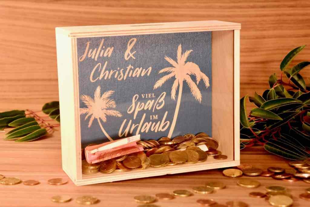 Einzug Lieblingskiste: Geldgeschenk als Spardose – Urlaub unter Palmen