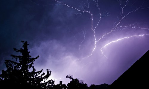 Lightning Warning For South And West Iceland