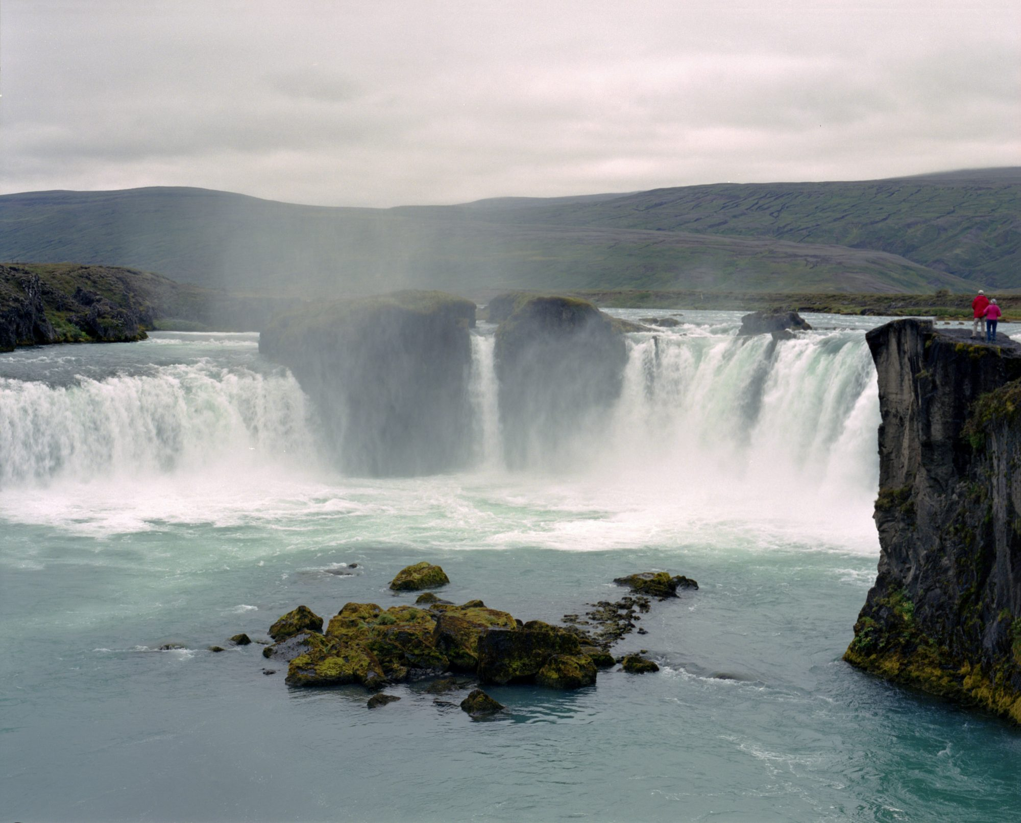 VIDEOS: Three Men Kayak Off Icelandic Waterfall For The Second Time