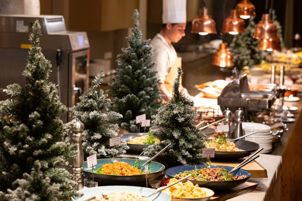 Christmas Is Coming & We Are Getting Fat: A Festive Guide To Reykjavík Restaurants