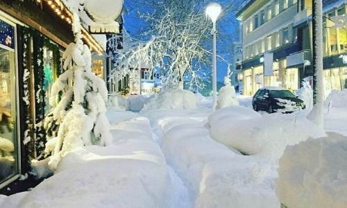 Akureyri Buried In Snow, While Reykjavik Still Waits For Winter