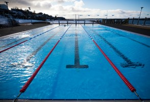 Reykjavík Swimming Pools To Stay Open