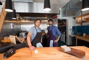 Buns and Bums at Reykjavík's Organic Eatery