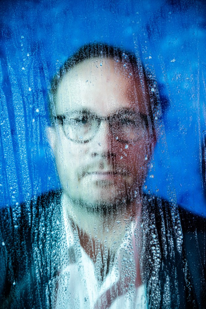 """Time, Water and Viruses: Andri Snær Magnason Talks Translation, The Pandemic And The """"Apausalypse"""""""