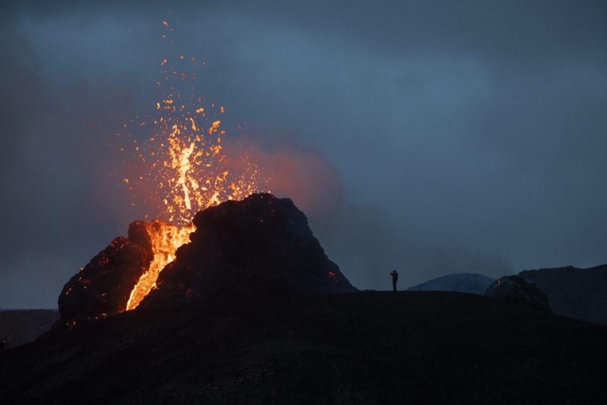 Photos: Day Two Of The Geldingadalsgos Eruption, Shot By Axel Sigurðarson