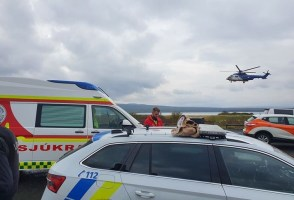 Rescue Teams Rush To Girls In Distress On A Boat In Þingvallavatn