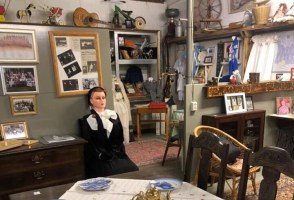Couple Runs Museum Of Personal Items In Reykjadalur