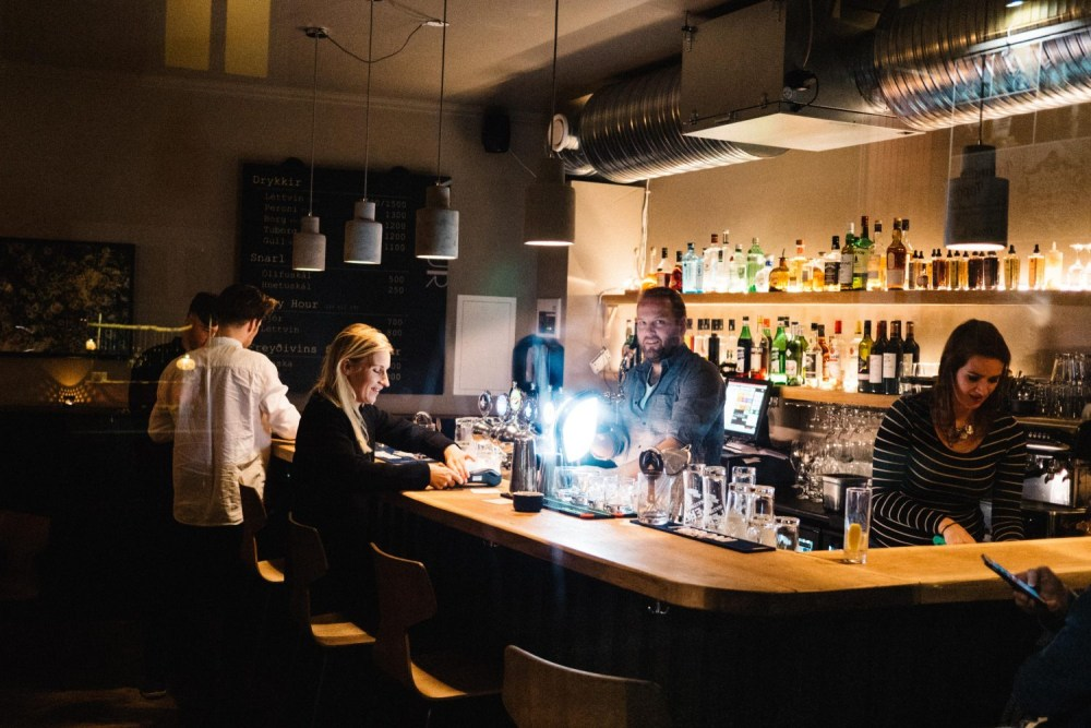 Hands On Deck: Downtown's Newest Bar Veður