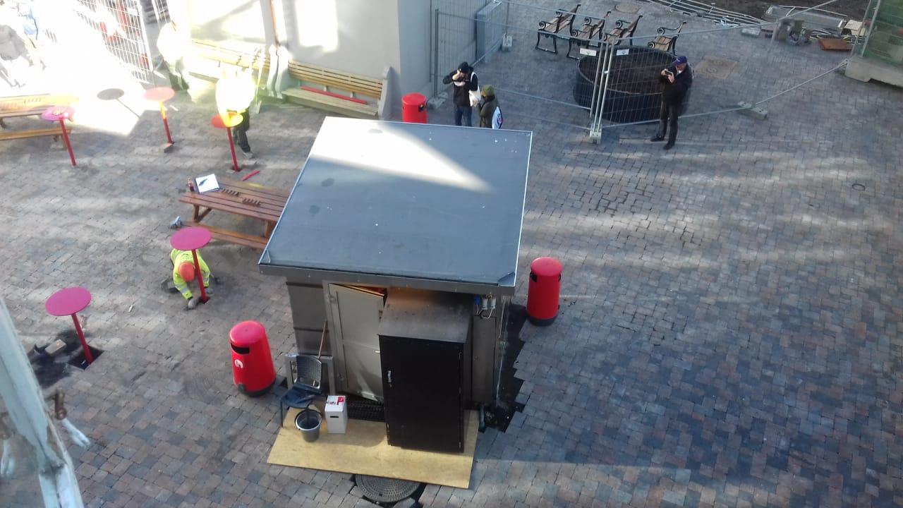 Reykjavik's Most Famous Hot Dog Stand Back At Its Original Location