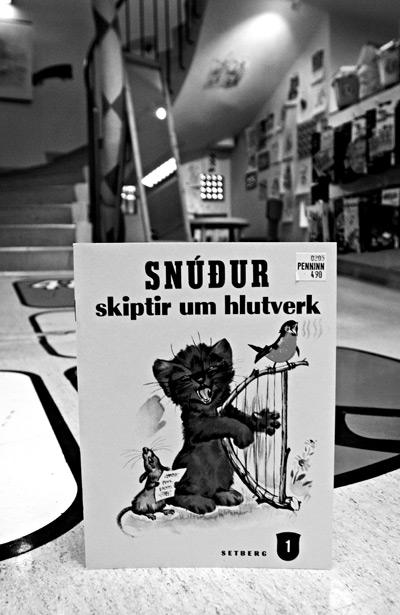 Snúður skiptir um hlutverk (Snúður changes roles)