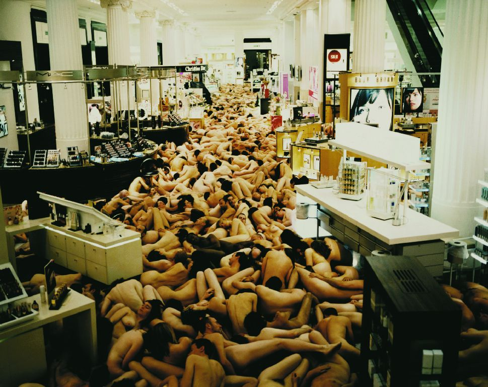 SPENCER TUNICK: BODY PUBLIC
