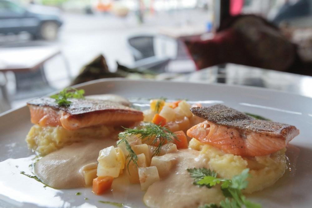 Let Them Eat Fish: Messinn, Matur og Drykkur and Icelandic Fish and Chips