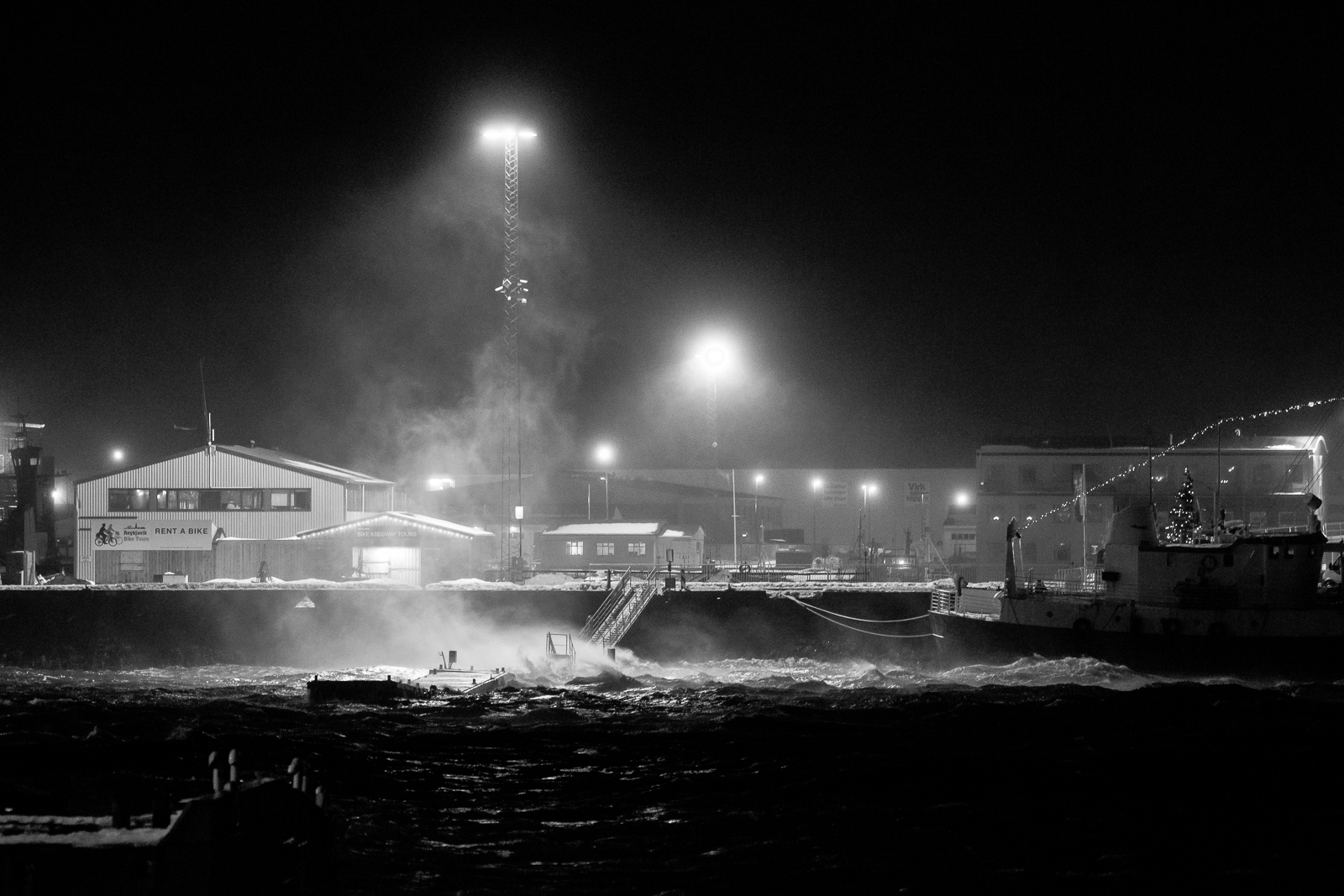 Winds Of Up To 40 MPS Storm Hitting Iceland Today