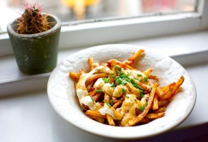 THE SKYR CHRONICLES: Icelandic Poutine