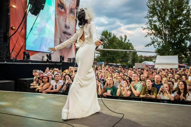 Björk Cancels Airwaves & Other Festival Dates