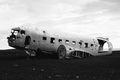 DC-3 airplane