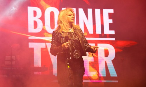 PHOTOS & REACTIONS: Bonnie Tyler Eclipsing Hearts At Secret Solstice
