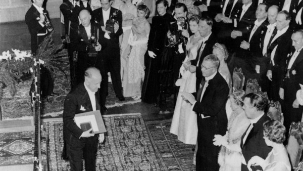 Halldór Laxness accepts his Nobel