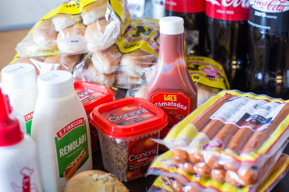 Ask A Scientist: The Indestructible Aftertaste Of The Icelandic Hot Dog