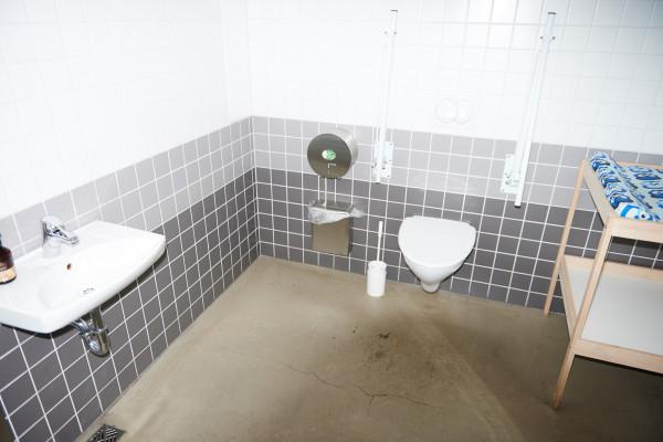 ©MA-toilets-loft-hostel-3740