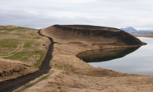 MP Wants Government To Save Lake Mývatn