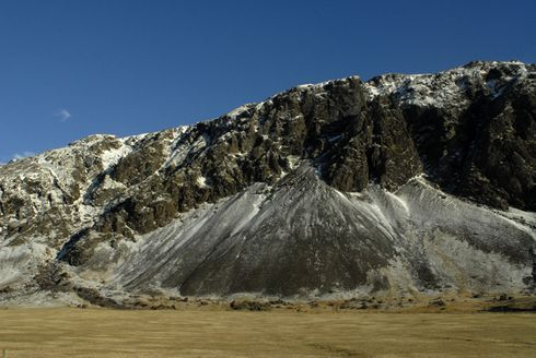 Moving Mountains- Iceland's Landscape Travelling Through Time_1