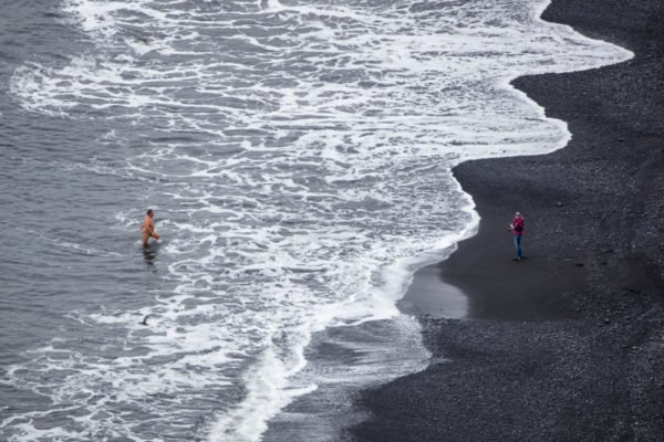 Naked_on_Reynisfjara_01