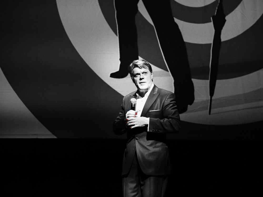 A Note On Listening To Stand-Up In A Different Language With Advice From Eddie Izzard