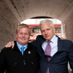 Sigurður Ingi Þórðarson and Julian Assange